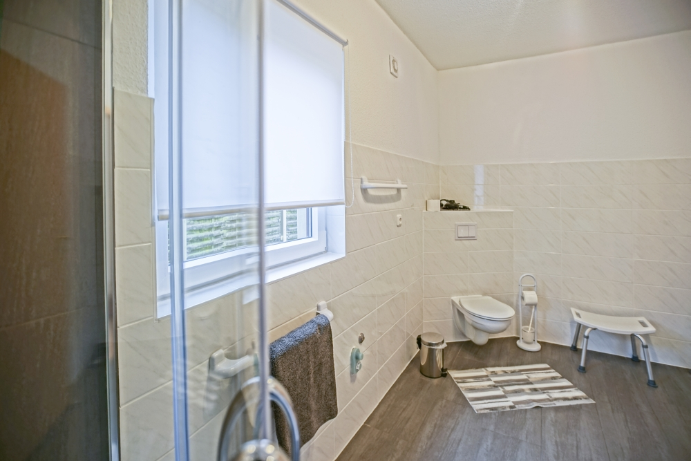 Ferienwohnung Nebengebäude Mönkebude Badezimmer