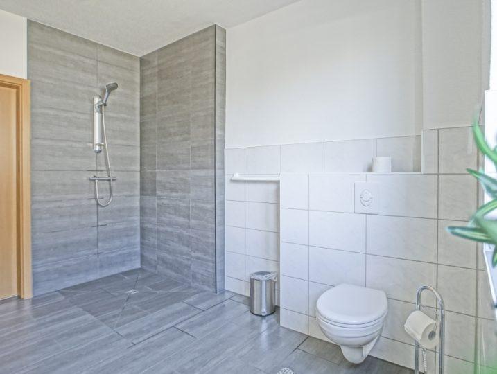 Ferienwohnung Herrenhaus EG Mönkebude Badezimmer